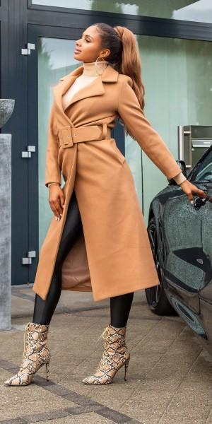 Trendy Koucla Langer Mantel mit Gürtel